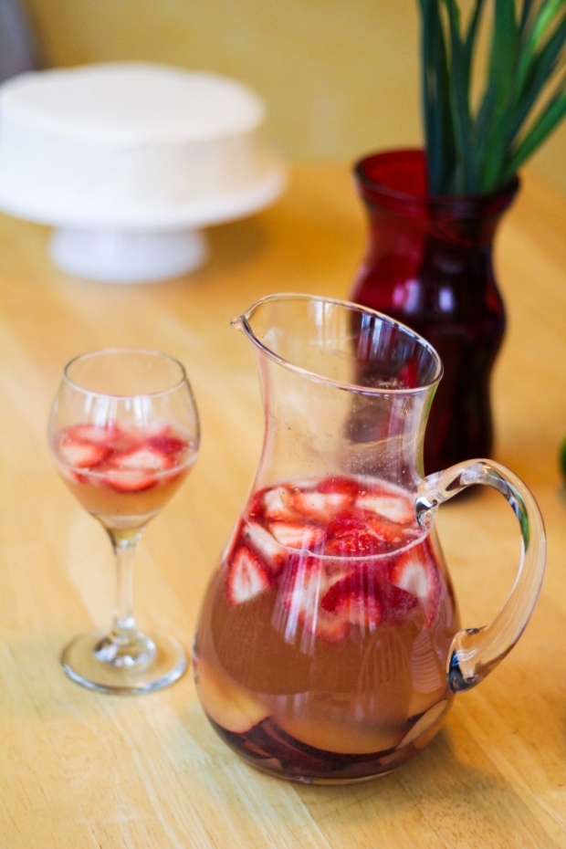 Sparkling Strawberry-Grapefruit Sangria {Katie at the Kitchen Door}