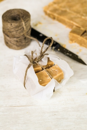 10-Minute Peanut Butter Fudge {Katie at the Kitchen Doo}