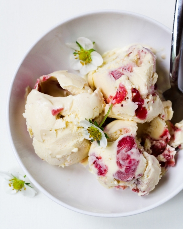 Strawberry Sour Cream Ice Cream {Katie at the Kitchen Door}